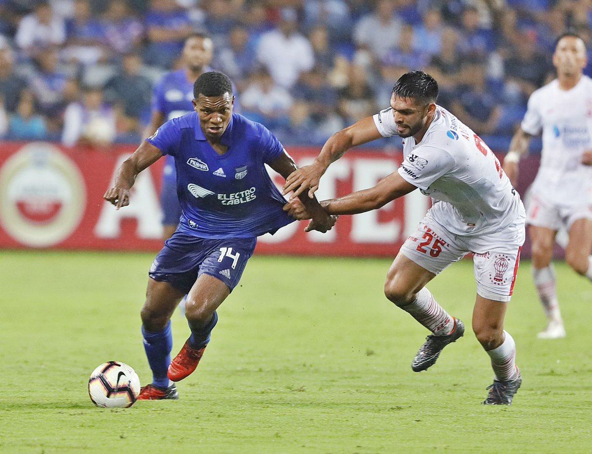 El Universo's photo on Emelec
