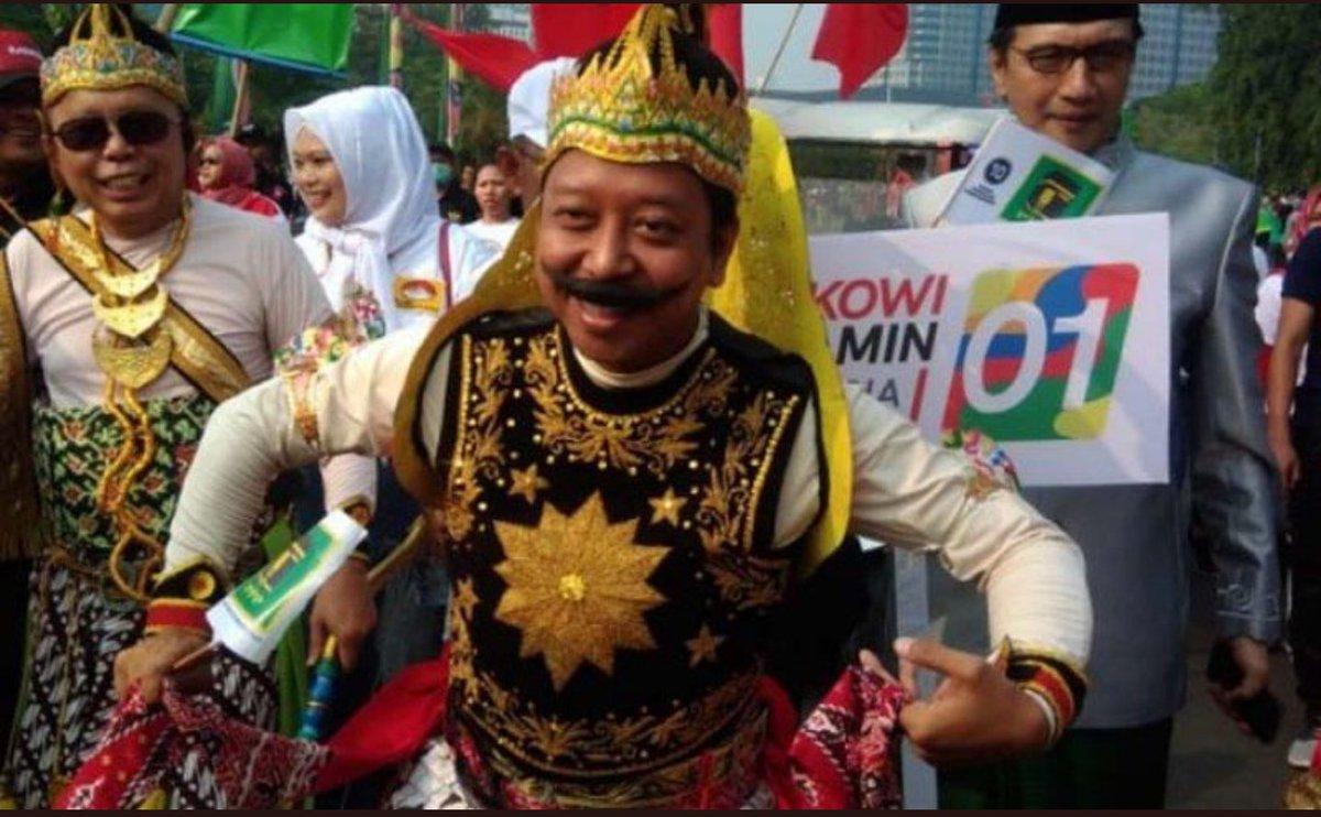 RT @CMarbani: Kualat sama mbah moen, Aa gym dan rakyat indonesia.  #RommyJumatanDimana #MakelarDoaDitangkapKPK https://t.co/ErMQ0MNrs1