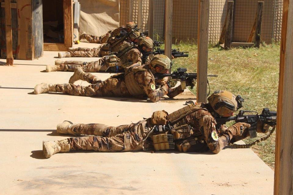 جهاز مكافحة الارهاب (CTS) و فرقة الرد السريع (ERB)...الفرقة الذهبية و الفرقة الحديدية - قوات النخبة - متجدد - صفحة 10 D1r9NX9X0AAzeTA