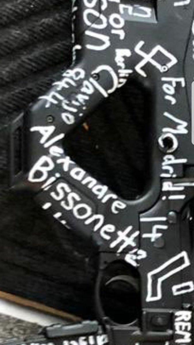 Yekvücut's photo on Alexandre Bissonnette