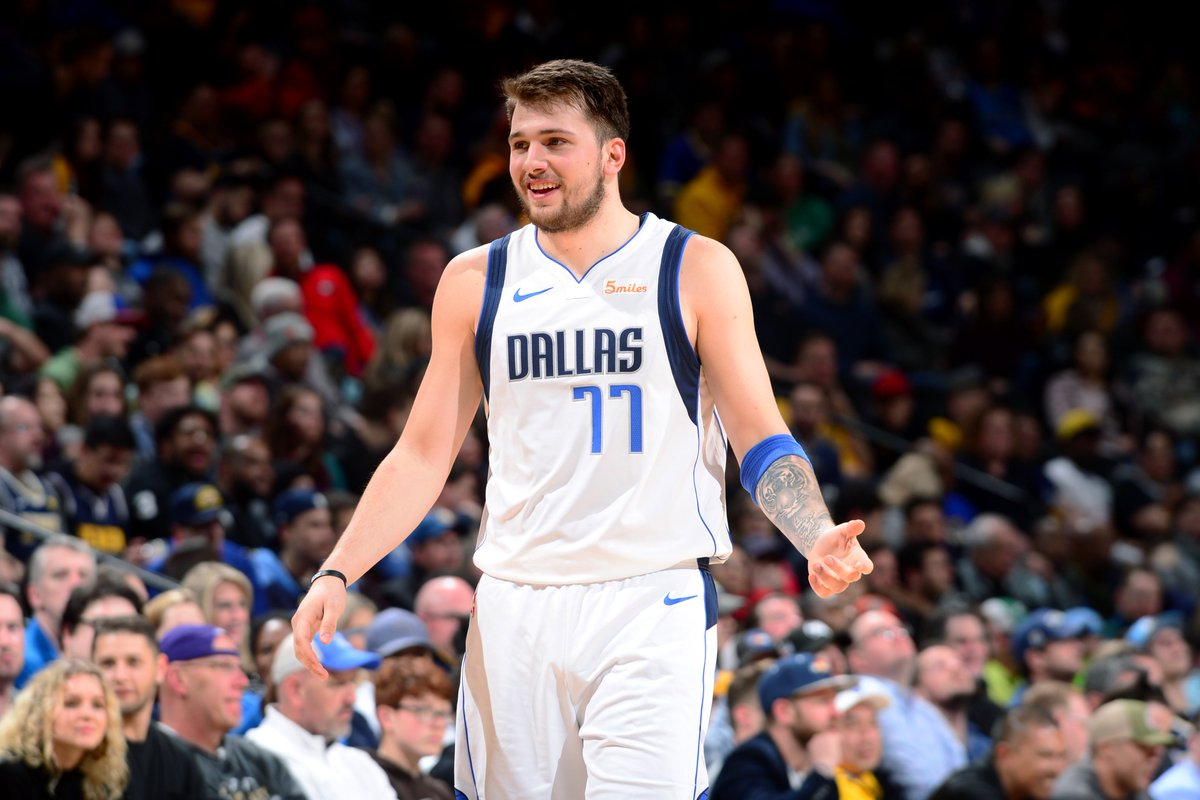 #TripleDoubleWatch  Luka Doncic is up to 16 PTS, 9 AST, 7 REB for the @dallasmavs with 2:36 left in Q3! #NBARooks #MFFL  📺: @NBAonTNT