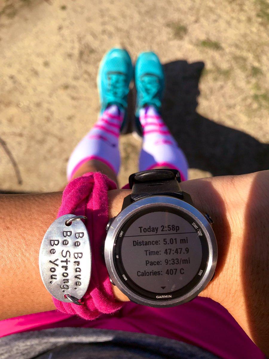 5 easy miles today! #garmincrew #procompressionambassador #keepittight #runderfulrunners #squadrunner #runningtonotfrom<br>http://pic.twitter.com/E3cUw3jKnN