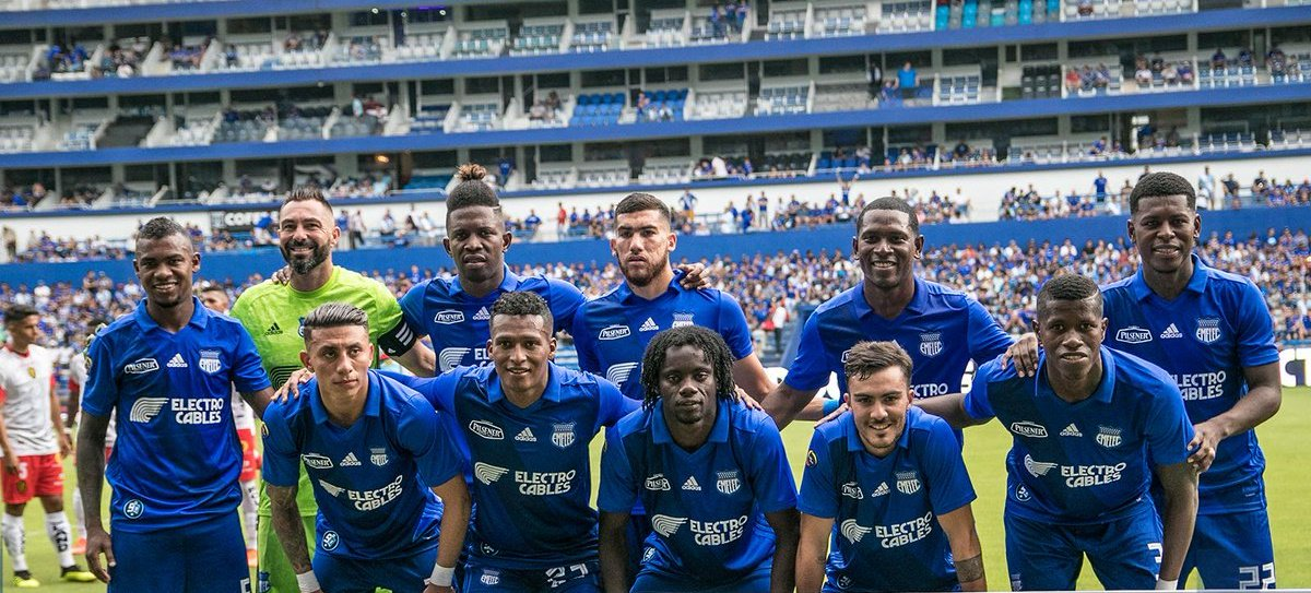 La Caprichosa Sport's photo on Emelec y Huracán