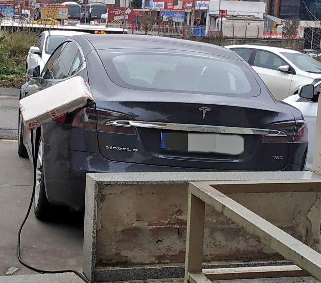 Ahmet Eser's photo on #Tesla