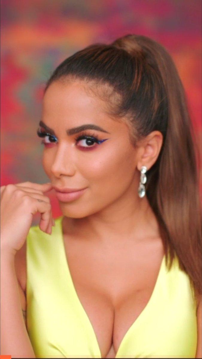 Central Anitta 💀's photo on #StreamRIP