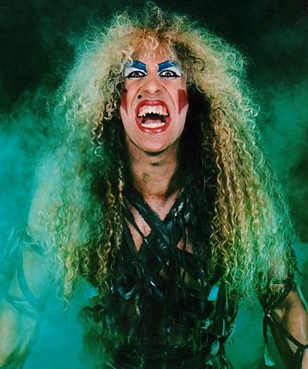 Happy  64th Birthday  Daniel &quot;Dee&quot; Snider  &quot;But most of my songs were about believing in yourself, standing up for yourself and fighting for what you believe in.&quot; #FridayThoughts  #DeeSnider<br>http://pic.twitter.com/wCTlmsKk4J