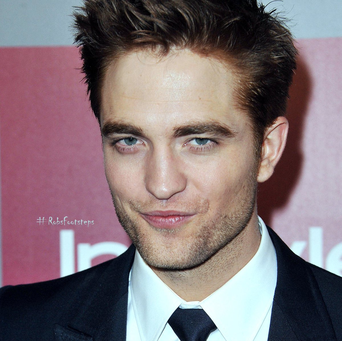 #RobertPattinson @goldenglobes InStyle after party 2010 Missing him a lot  <br>http://pic.twitter.com/exJa49jym4