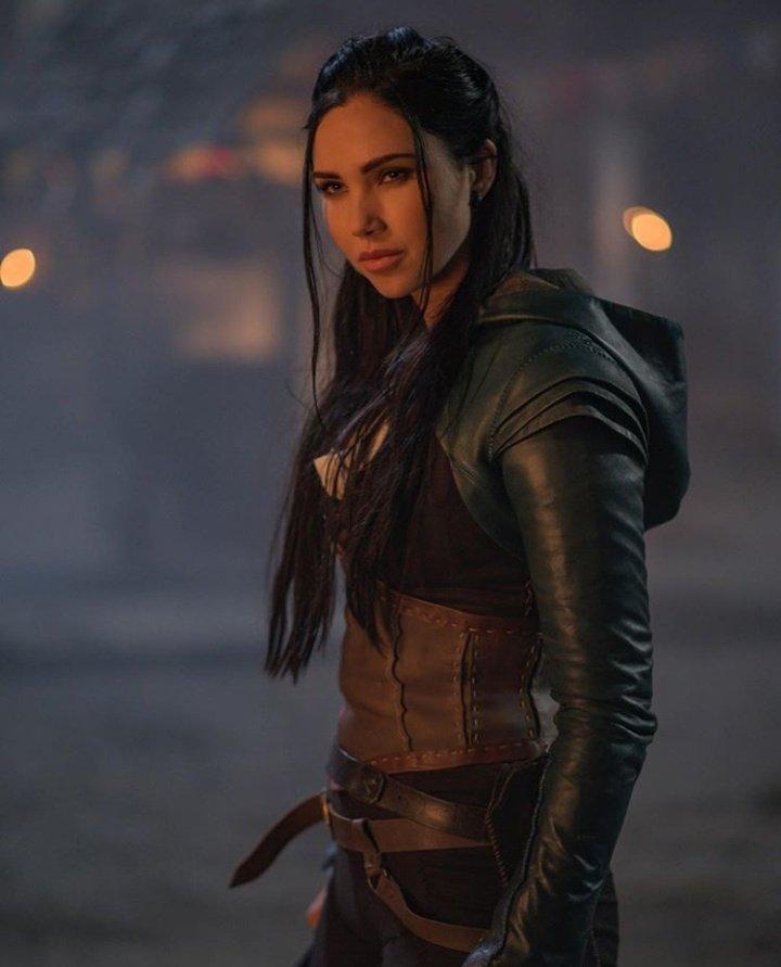 La tenue de Talon m'a fait pensée à celle de Kahlan 😍 #LOTS #TheOutpost