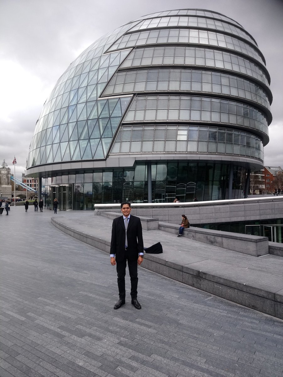 Two @KingstonUniBiz students are about to take the floor at #CityHall in the semi-final of the @MayorofLondon's #mayorsentrepreneur competition 👏🤞#Goodluck to Rebecca Imaizumi and Sarwan Scarce with their pitches ☘️💪#Makingkuproud #loveKingstonUni ❤️ https://t.co/JxoD3OnFZp
