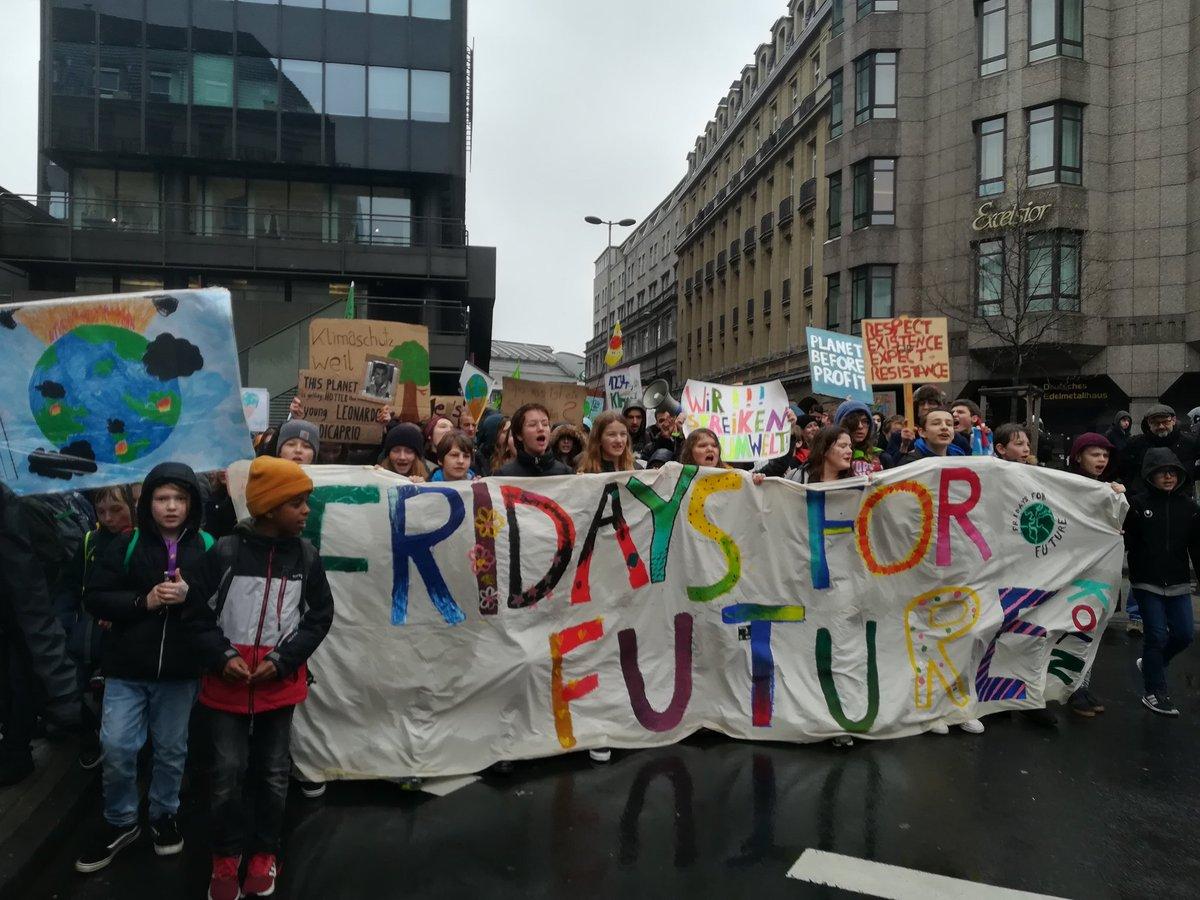 Kathrin Henneberger's photo on Tausende Schüler