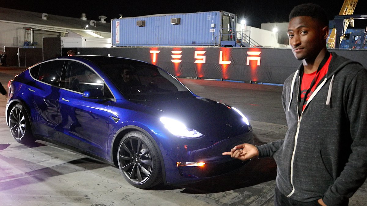 Marques Brownlee's photo on Model Y