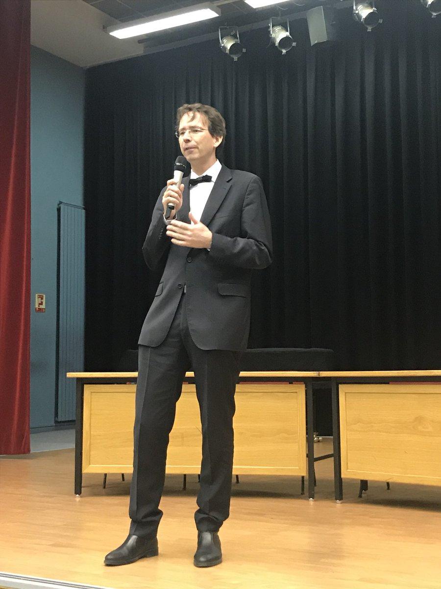 9c11fe444c9 Honoré d accueillir son excellence l ambassadeur de République Tchèque M.  Petr Drulak