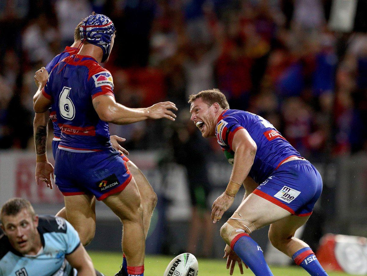 Newcastle Knights's photo on #NRLKnightsSharks