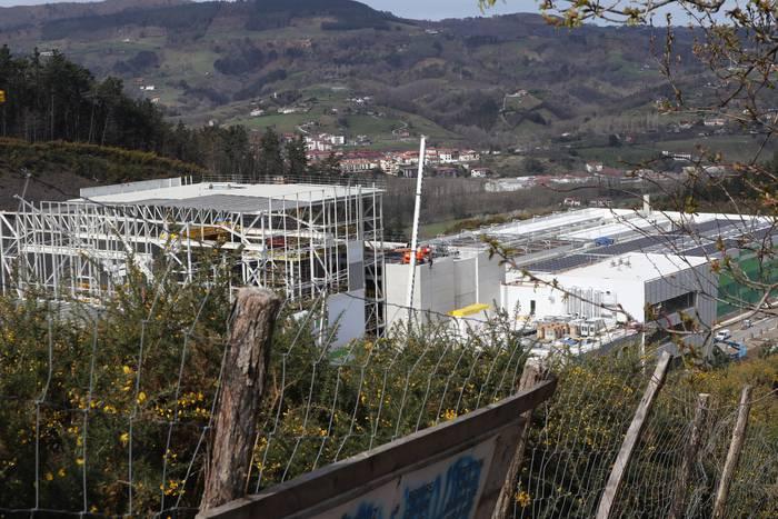 Zubietako erraustegiko eraikitze lanak, azken txanpan @noaua  https://www.argia.eus/albistea/zubietako-erraustegiko-eraikitze-lanak-azken-txanpan…