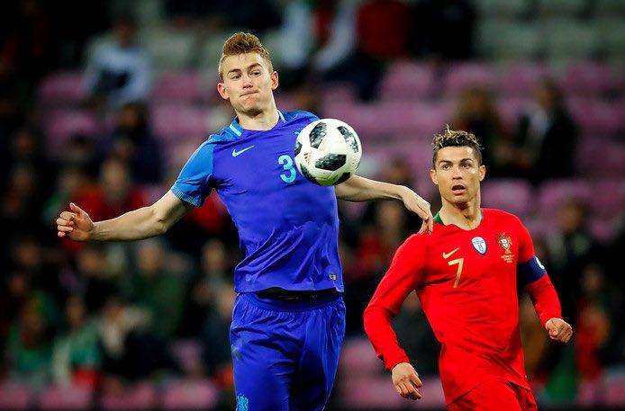 Dutch Football's photo on De Ligt