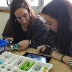 RT @EdelvivesPRO: Así son nuestras formaciones: prácticas. Más de medio centenar de profesores lo corroboraron ayer en el @IEM_UPSA, en nuestros talleres de #gamificación y #robóticaEdelvives.