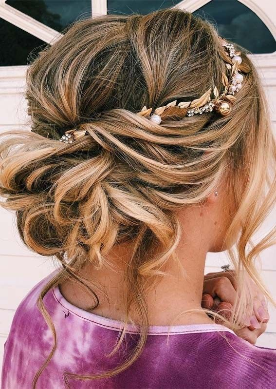 Check out these #updo #hairstyles ideas : https://buff.ly/2VWVrI8  #hairinspo