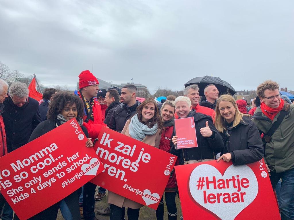 PvdA Amsterdam's photo on #hartjeleraar