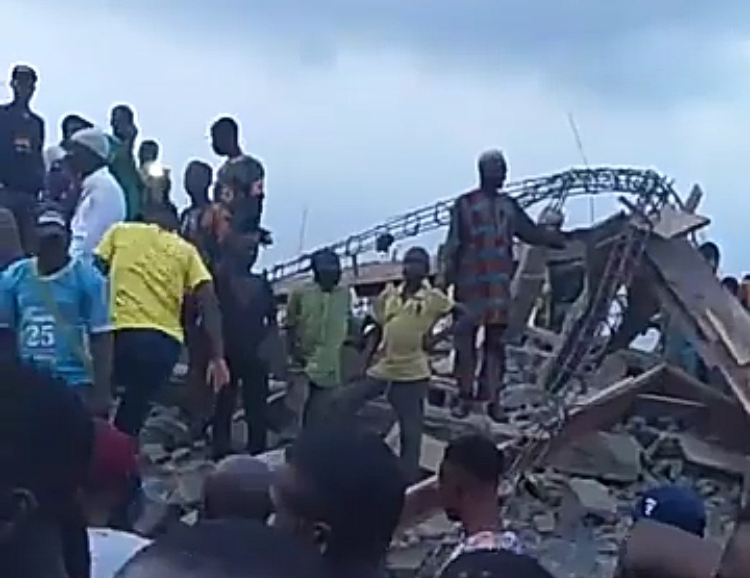Seyi Gesinde's photo on Under the Bridge