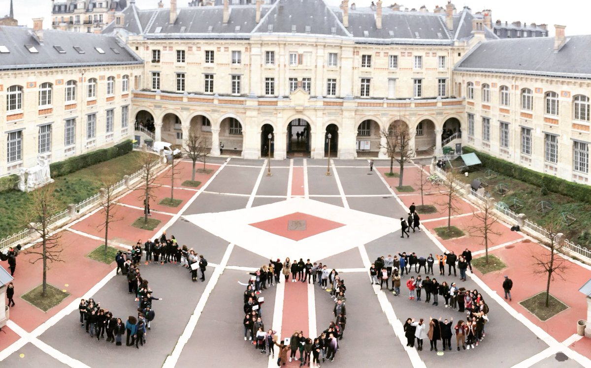 E. Joigneault's photo on #YouthStrike4Climate