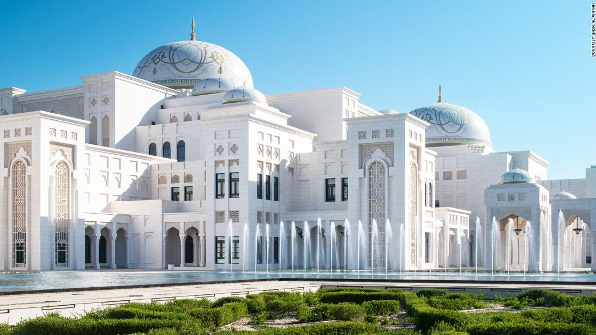 Abu Dhabi Presidential Palace opens its doors to visitors for first time https://t.co/6NLDQlblDW https://t.co/fPE4uvQAqA