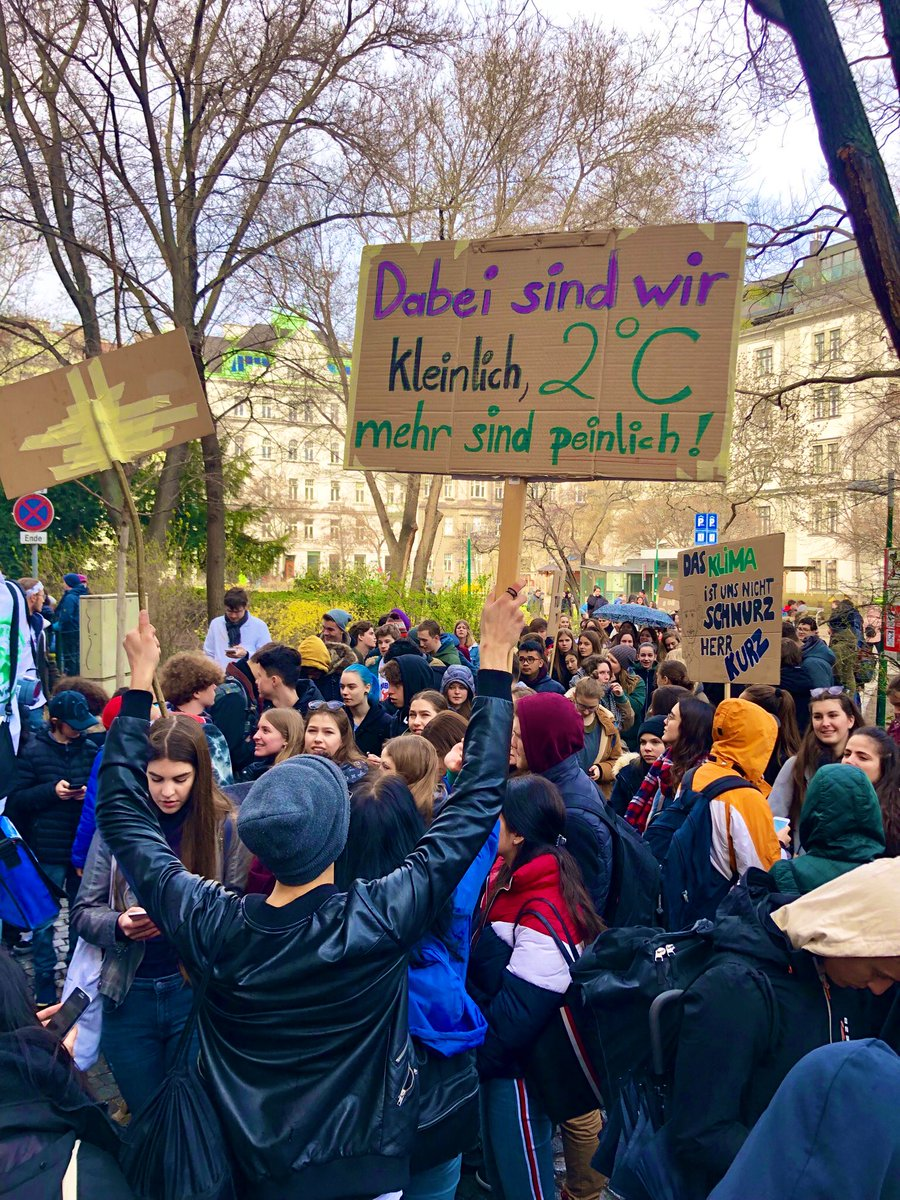 test Twitter Media - Supporting our kids today during #ClimateStrike #Klimastreik #FridaysForFurture https://t.co/wO7tizjYOj