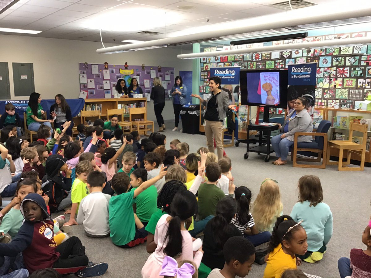 Thank you <a target='_blank' href='http://twitter.com/RIFWEB'>@RIFWEB</a> and <a target='_blank' href='http://twitter.com/NestleUSA'>@NestleUSA</a> for a such a fun National Reading Month/ National Nutrition Month celebration!  Oakridge students were so excited to be a part of this special day! <a target='_blank' href='http://search.twitter.com/search?q=ReadingisNutritionForYourBrain'><a target='_blank' href='https://twitter.com/hashtag/ReadingisNutritionForYourBrain?src=hash'>#ReadingisNutritionForYourBrain</a></a> <a target='_blank' href='https://t.co/LKTOGjzy7e'>https://t.co/LKTOGjzy7e</a>