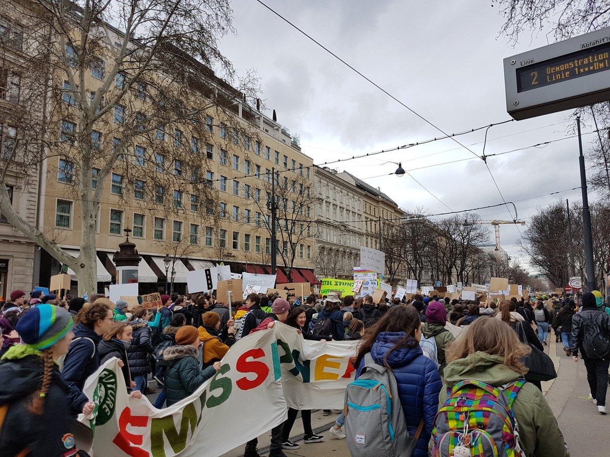 Karin Leitner's photo on Tausende Schüler
