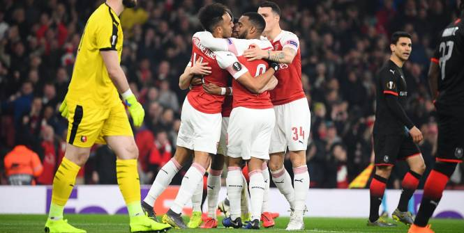 Afropages's photo on Arsenal - Naples