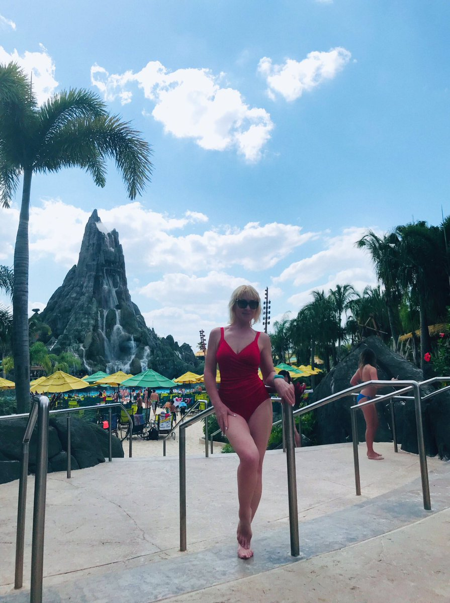 """Water is Life. Life is Joy. That&#39;s the philosophy celebrated at Universal&#39;s Volcano Bay™ water theme parkSo...finely  """"I jumped """" from the top of this volcano   #FridayMotivation #FridayFun <br>http://pic.twitter.com/8GpzQbDXMn"""