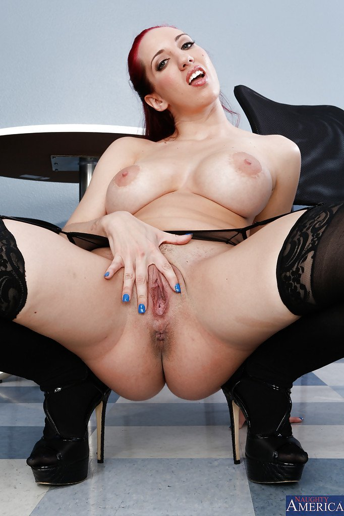 Kelly Divine's photo on kelly