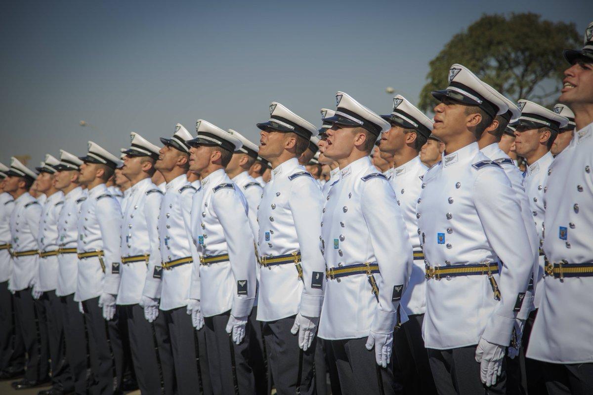 Ministério da Defesa's photo on #DiaDaEscola