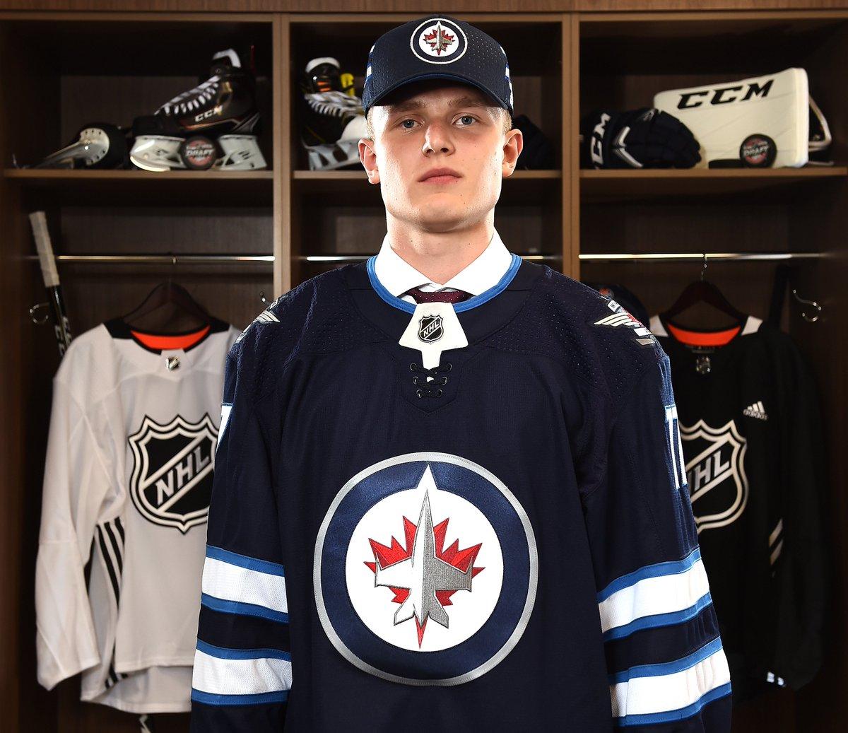 Sporting News Canada's photo on Kristian Vesalainen