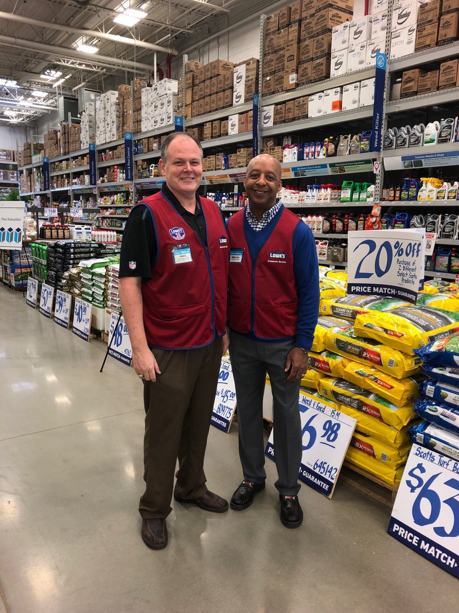 Great store visit today in Ballantyne, NC.  Store Manager Paris and his Team are ready for Spring.  Check out that presentation of Garden Bag Goods!! <br>http://pic.twitter.com/JTw8LKwrHc