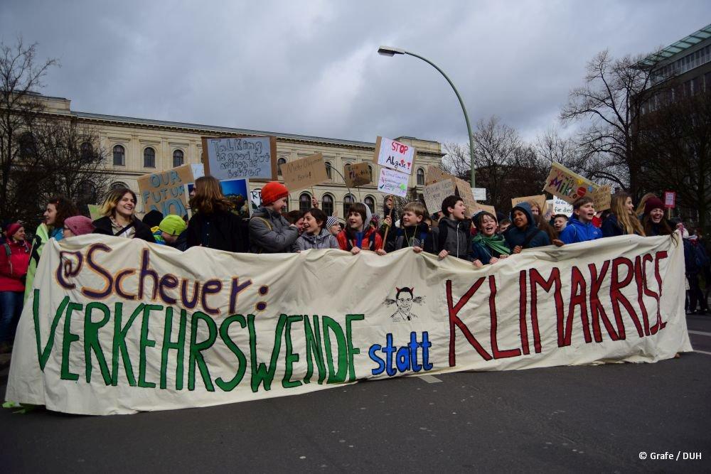 Deutsche Umwelthilfe's photo on Tausende Schüler