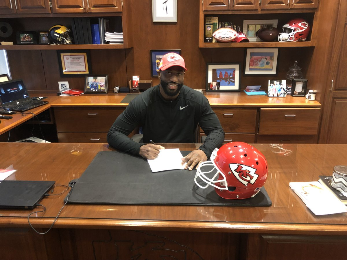Alex Okafor played alongside new Chiefs safety Tyrann Mathieu in Arizona.   More Things to Know About Our New DE @aokafor57     https:// chfs.me/2F8FLeh  &nbsp;  <br>http://pic.twitter.com/Bdv2afzpFH