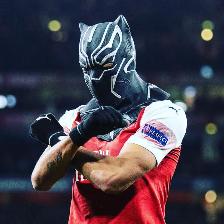 Arsenal France's photo on Arsenal - Naples