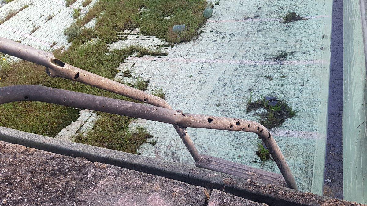 נזקי הטיל מעזה שנפל בשטח מקווה ישראל ליד חולון. @ynetalerts