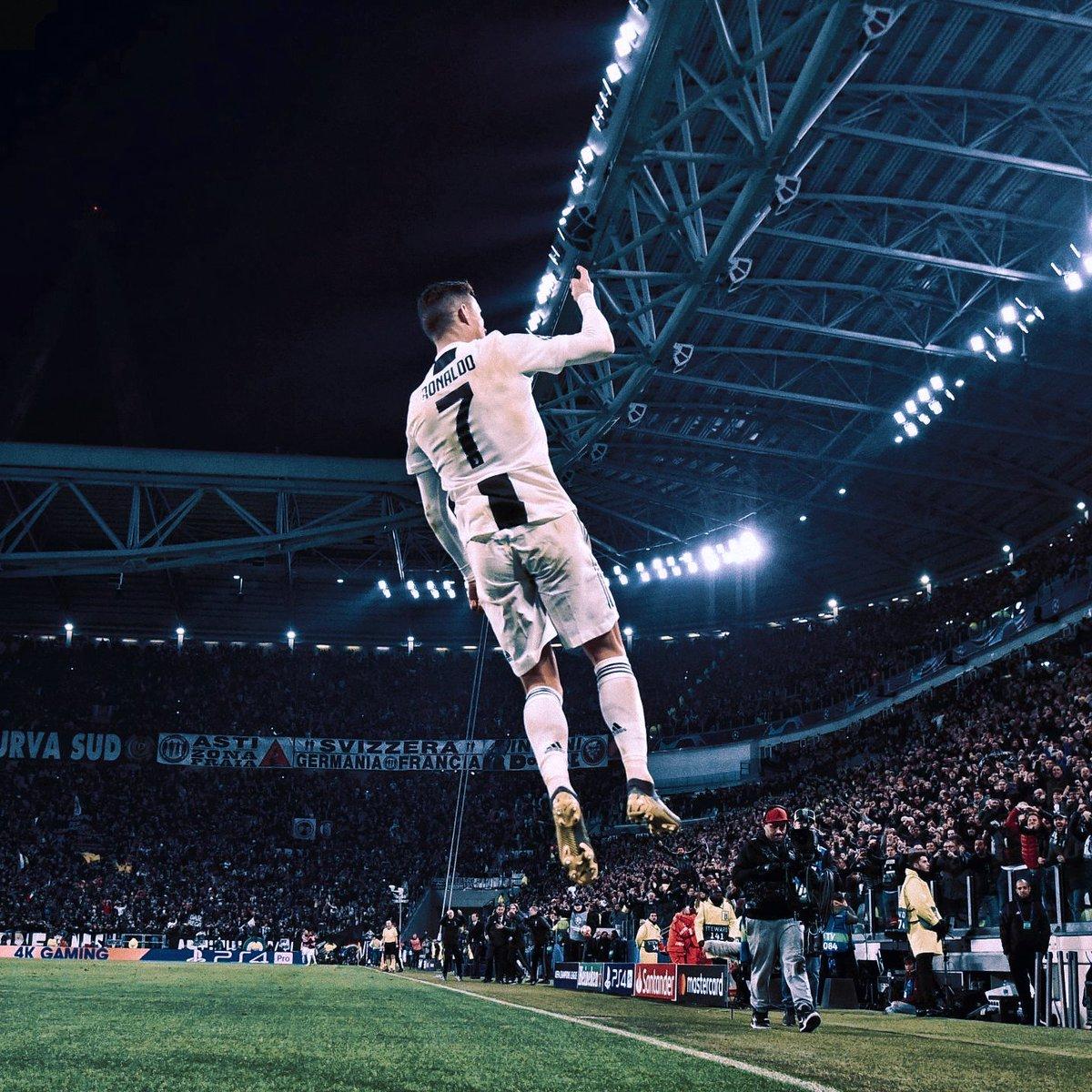 Mundo da Bola's photo on Ronaldo