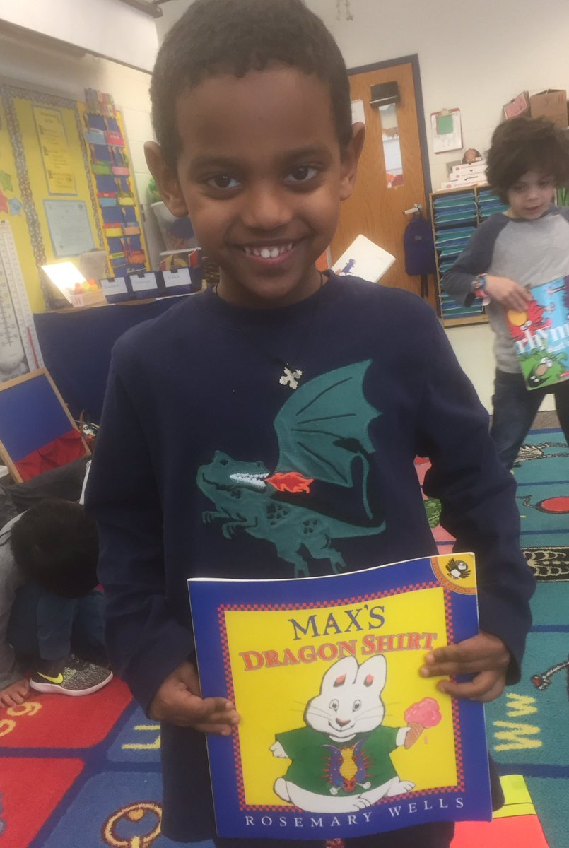 We like dragon shirts. <a target='_blank' href='http://search.twitter.com/search?q=HFBTweets'><a target='_blank' href='https://twitter.com/hashtag/HFBTweets?src=hash'>#HFBTweets</a></a> <a target='_blank' href='http://twitter.com/APS_EarlyChild'>@APS_EarlyChild</a> <a target='_blank' href='https://t.co/iVqNcwm4FW'>https://t.co/iVqNcwm4FW</a>
