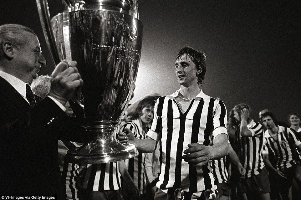 Paolo Rossi's photo on #AjaxJuve