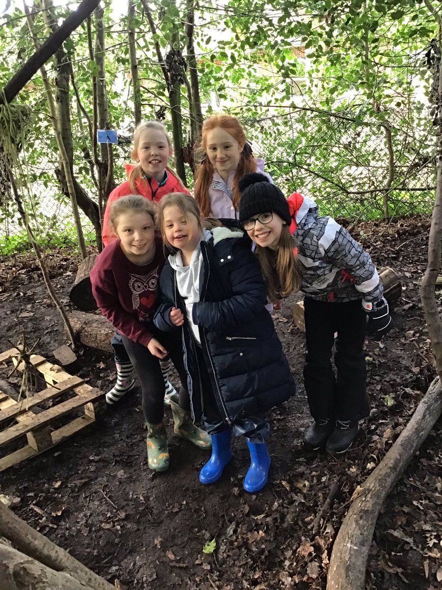 test Twitter Media - RT @GorseyY5: A fantastic afternoon working as a team to build dens. #gorseyfs https://t.co/ks9180LZs9