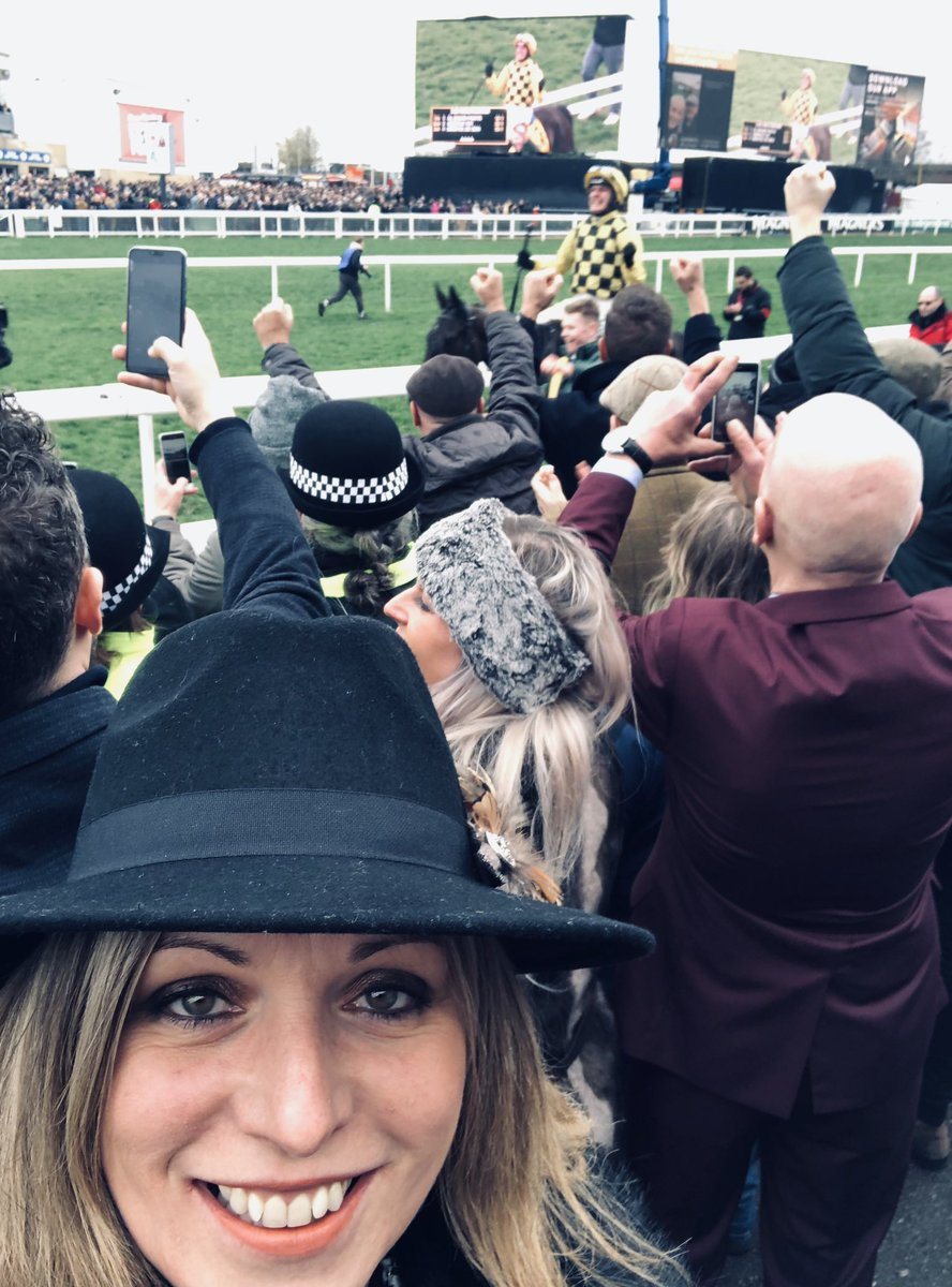 Natalie Rall's photo on #CheltenhamGoldCup