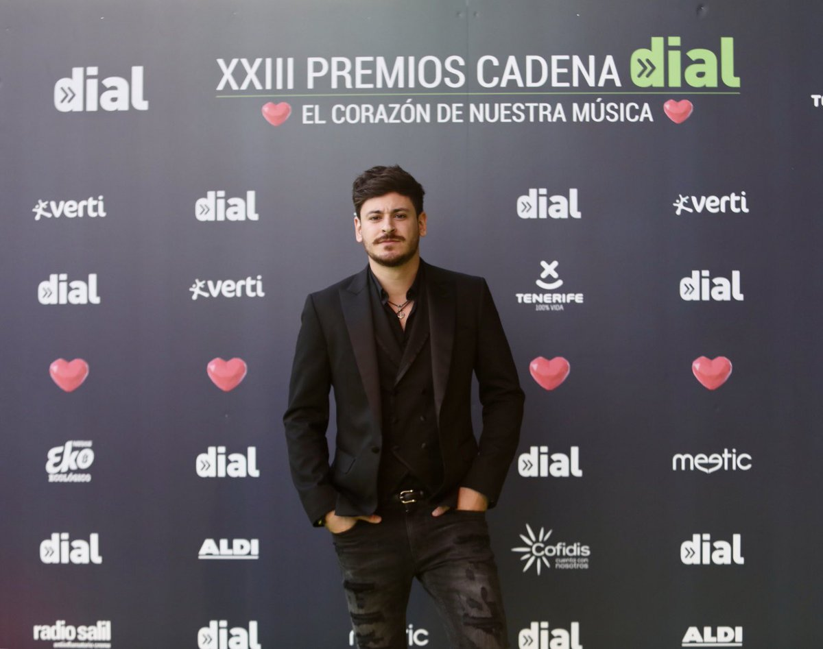 LACAJADMUSICATV.COM's photo on #PremiosDial