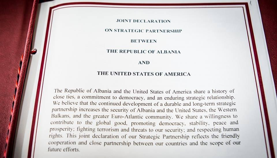 28 years ago, on March 15, 1991 #Albania re-established diplomatic relations with the #UnitedStates after a break of 52 years. Today our strategic partnership is stronger than ever  <br>http://pic.twitter.com/dhIrkQvGPw
