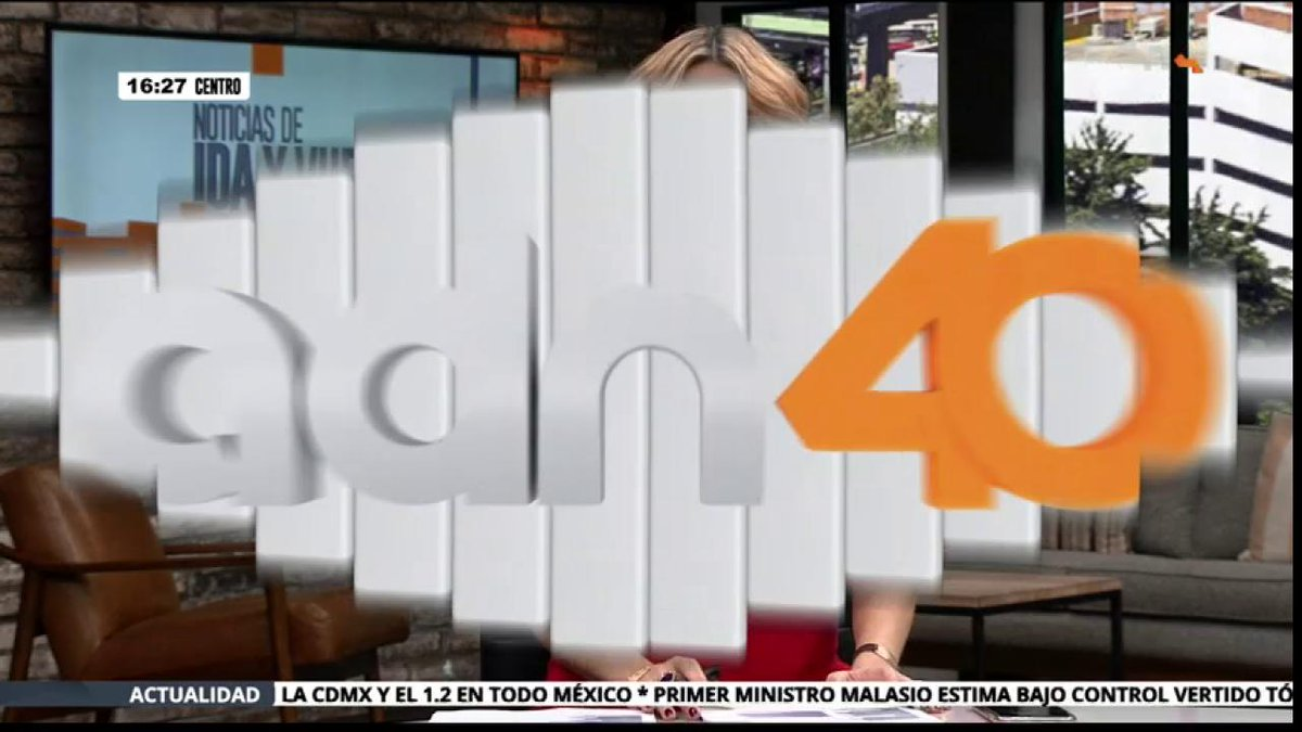 adn40's photo on Con 27