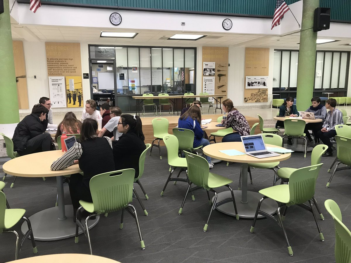 Our entrepreneurship students meeting with their subject matter experts! <a target='_blank' href='http://search.twitter.com/search?q=pbl'><a target='_blank' href='https://twitter.com/hashtag/pbl?src=hash'>#pbl</a></a> fosters authentic learning, community outreach, and career exploration. <a target='_blank' href='https://t.co/ivW67bqay8'>https://t.co/ivW67bqay8</a>