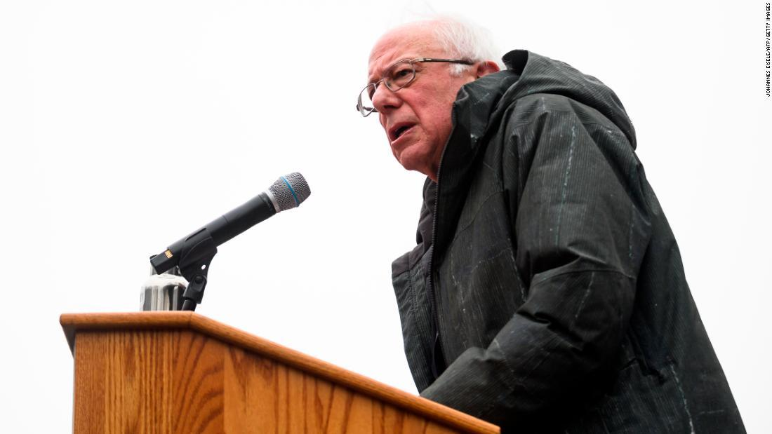 Bernie Sanders continues campaigning after receiving stitches for a head wound https://t.co/V3XhWGxXQ6 https://t.co/ugO6REIi2W