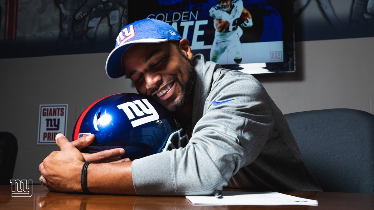 Love at first sight for @ShowtimeTate!