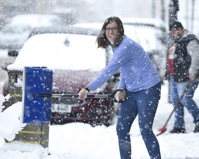 Met Office Issues FOUR warning for snow this weekend Winter storm called Hannah is set to hit the UK on Saturday!  https://www. familiesonline.co.uk/life/news/met- office-issues-four-warning-for-snow-this-weekend &nbsp; … <br>http://pic.twitter.com/8LnegQddkW
